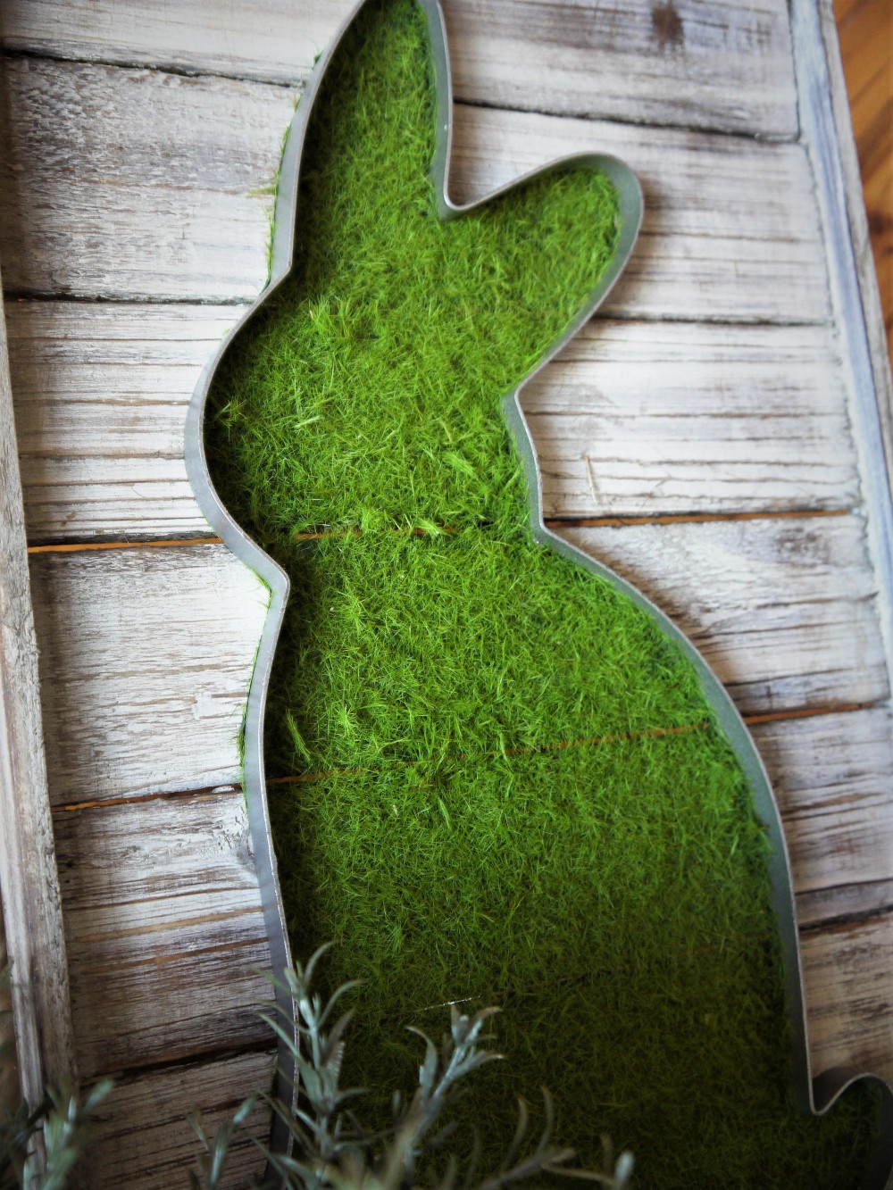 easter-bunny-chippy-decor