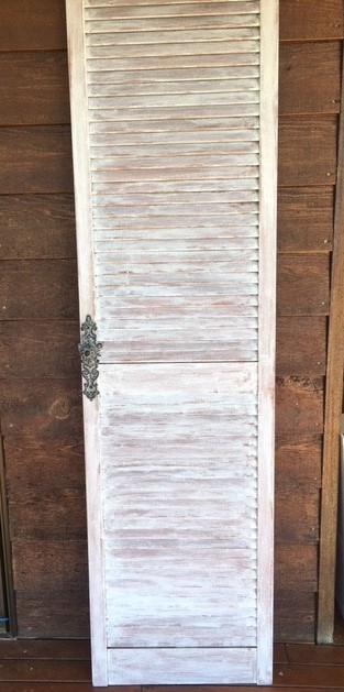 farmhouse-door-chalk-paint-finished