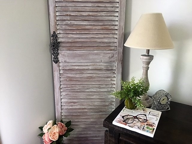 farmhouse-door-chalk-paint-styled-8