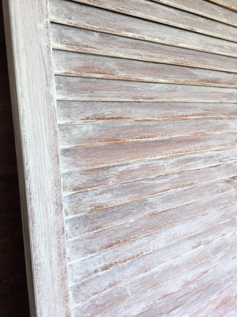 Farmhouse-Door-whitewash-chalk-paint-closeup